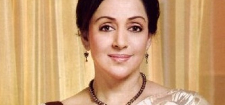 Hema Malini Slams Media and Blame little girl's father for accident