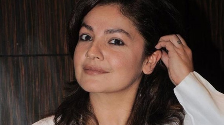 Pooja Bhatt making a comeback soon!!