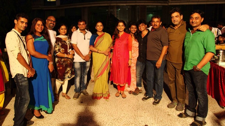 Shabana Azmi, Javed Akhtar and Baba Azmi will be seen together for the first time in Chalk N Duster