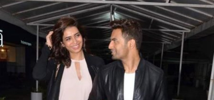 Upen Patel and Karisham Tanna Spotted on Movie Date!