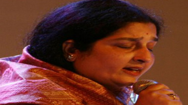 """Anuradha Paudwal """"Memorable Journey with T-series"""""""