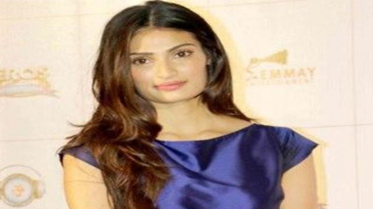 Reviews And Critics Do Play An Important Role From Film's Point Of View :  Athiya Shetty