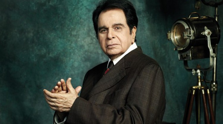 Veteran actor Dilip Kumar admitted in the ICU, here are all the details