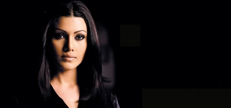 Bollywood actress Koena Mitra files a sexual harassment case, man offers money to go…