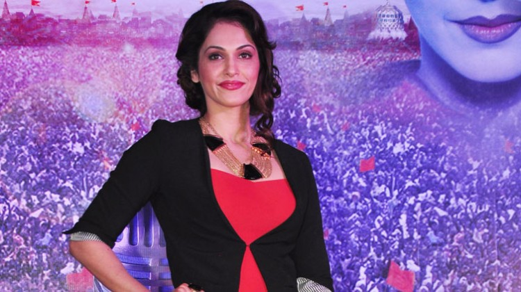 Isha Koppikar wishes to all Mumbai Juniorthon runners