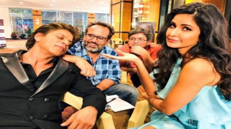 Shah Rukh Khan Shares Candid Picture with Katrina Kaif