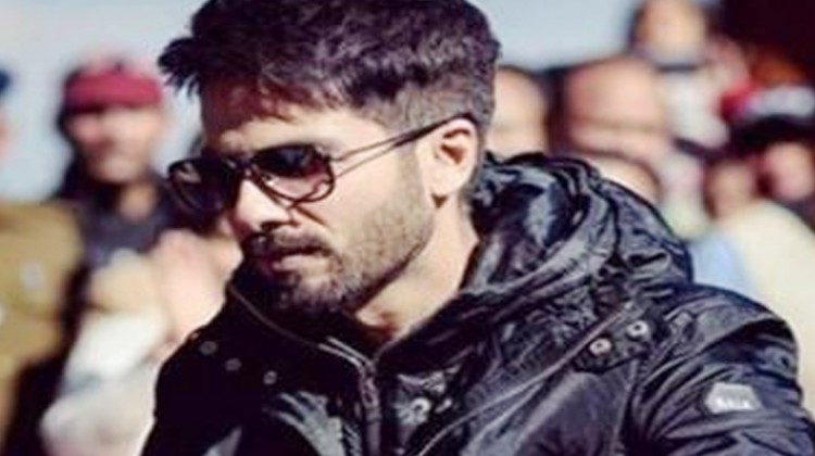 "Shahid Kapoor Shares Details About ""Batti Gul Meter Chalu"""