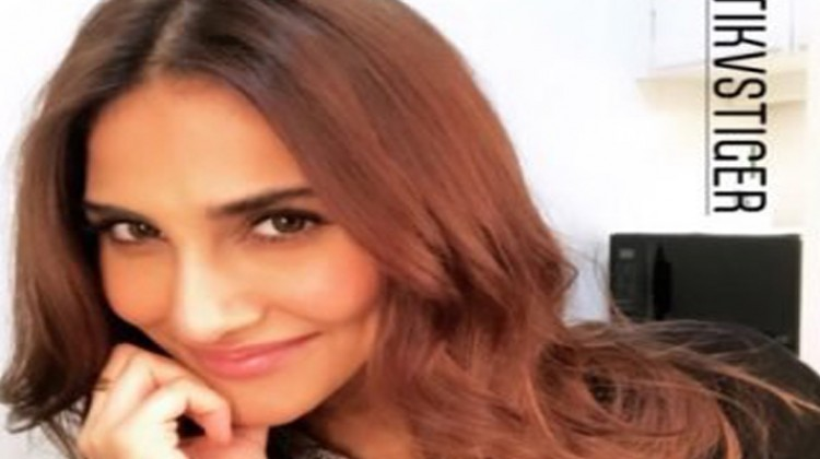 Vaani Kapoor Starts Shooting for Siddharth Anand's Film