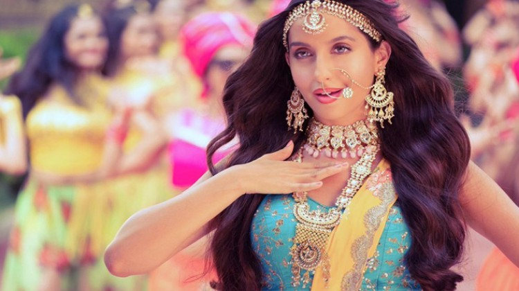 """Check Out Nora Fatehi in Arabic Version of """"Dilbar"""""""