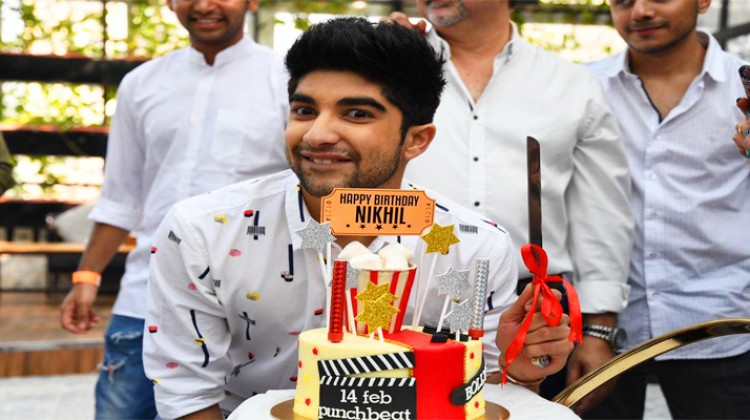 """Actor Nikhil Bhambri celebrates his 24th birthday bash with the entire """"Puncch Beat"""" cast"""