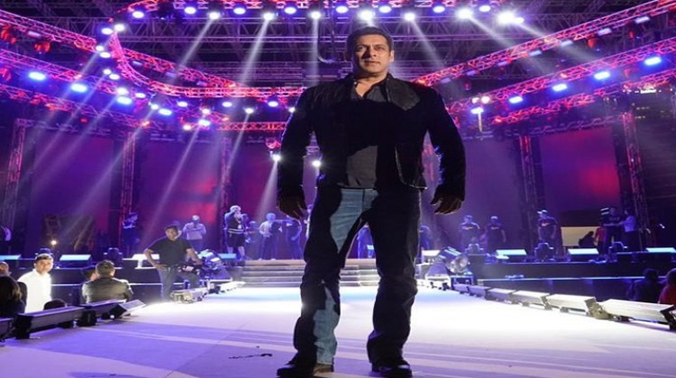 "Salman Khan unveils ""Being Strong"" a new fitness brand for India"