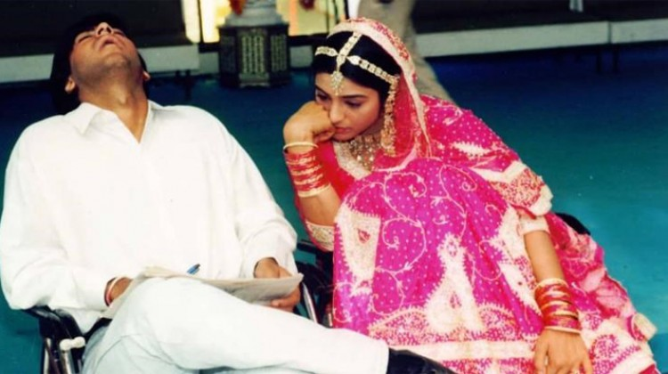 "Ajay Devgn teases ""De De Pyar De"" costar Tabu with a throwback photo"