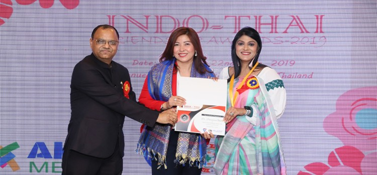 Dr. Purnima Gupta has been astrologer of many Bollywood celebrities like Mika Singh and Ankit Tiwari