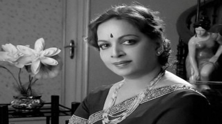 Film Fraternity Mourn the demise of Vijaya Nirmala Garu