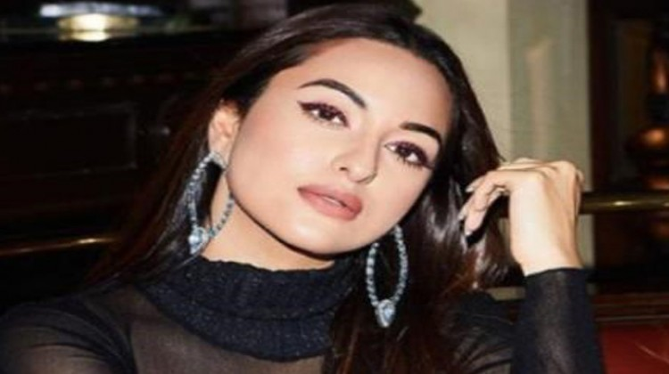 Family Oriented Films Are Not Limiting Me Says Sonakshi Sinha