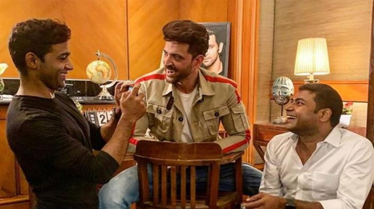 Hrithik Roshan Is Thankful To His 'Super 30' Co-Actors for Teaching Him Bihari Accent
