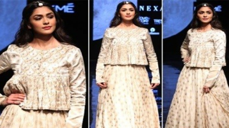 My Debut At Lakme Fashion Week Says Mrunal Thakur