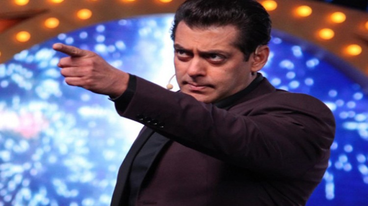 Bigg Boss 13 Starts With Salman Khan's Argument With Paparazzi