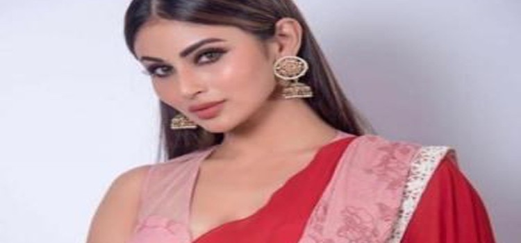 "After A Freak Accident, Mouni Roy Slams ""Mumbai Metro Is Being Irresponsible"""