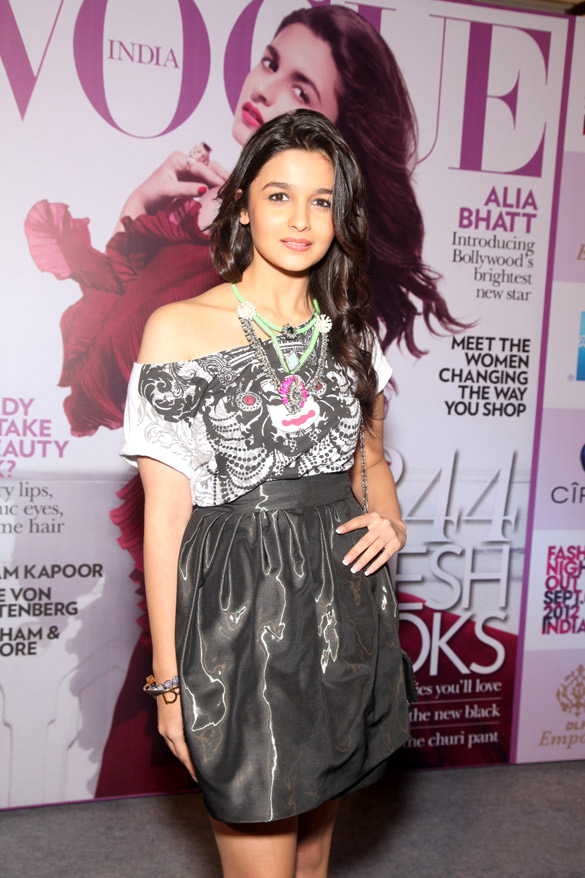 Alia_Bhatt_at_graces_Vogue_India's_Fashion's_Night_Out_extravaganza